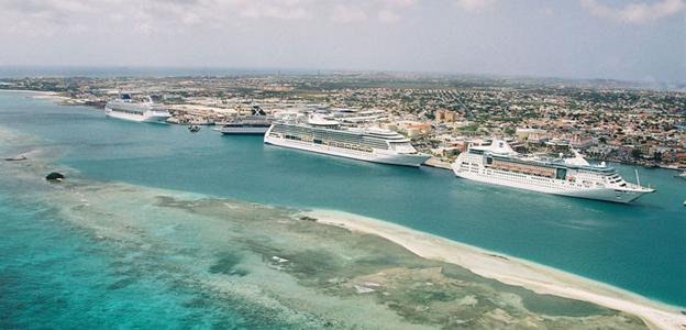 Escale à Aruba le terminal de croisière d'Oranjestad