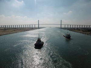 La traversée du canal de Suez lors de notre croisière tour du monde