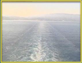 Le Costa Luminosa laisse Savonne derrière lui