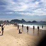 Matinée à la plage de Copacabana à Rio de Janeiro