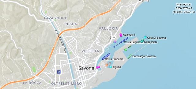 Croisière tour du monde 2017, Le Costa Luminosa entre dans le port de Savone