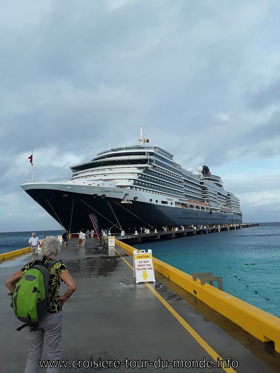 Le Queen Victoria à Quai Île Grand Turque