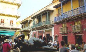 Escale Carthagène (Colombie) La place Santo Domingo