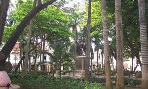 Escale Carthagène (Colombie) Le parc Bolívar