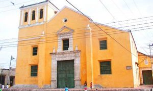 Escale Carthagène (Colombie) l église place de la Trinité