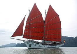 embarcation traditionnelle malaise à moteur et à voile Langkawi