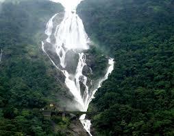 Les chutes de Dushsagar