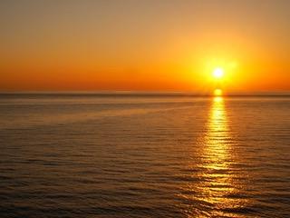 Croisière Tour du Monde Australe 2017 Couché de soleil en méditerranée