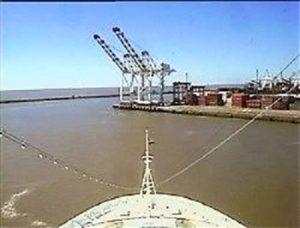 Croisière tour du monde Autral 2017 Le Costa Luminosa à Quai au port de Buenos Aires Argentine