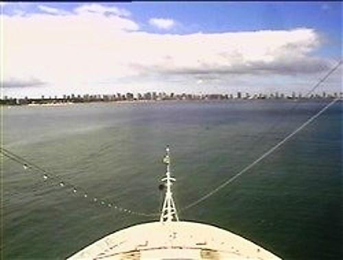 Croisière tour du monde Autral 2017 Le Costa Luminosa à l'ancre à Punta Del Este Uruguay