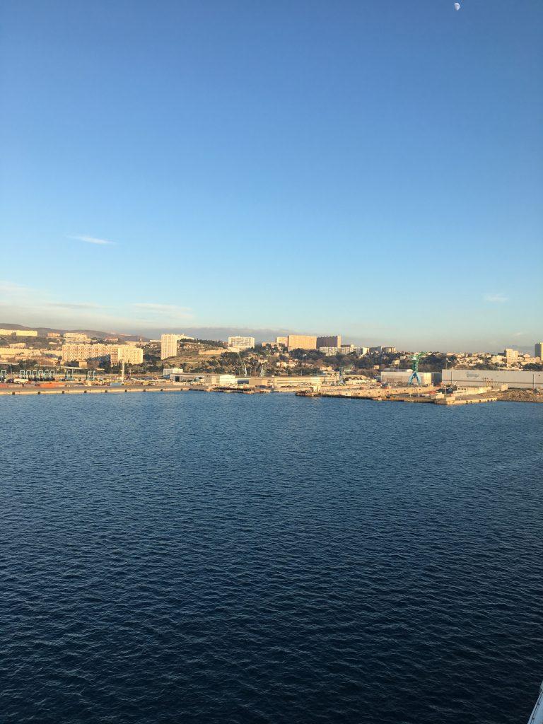 Jacques Charles embarque à Marseille pour 105 jours de Bonheur