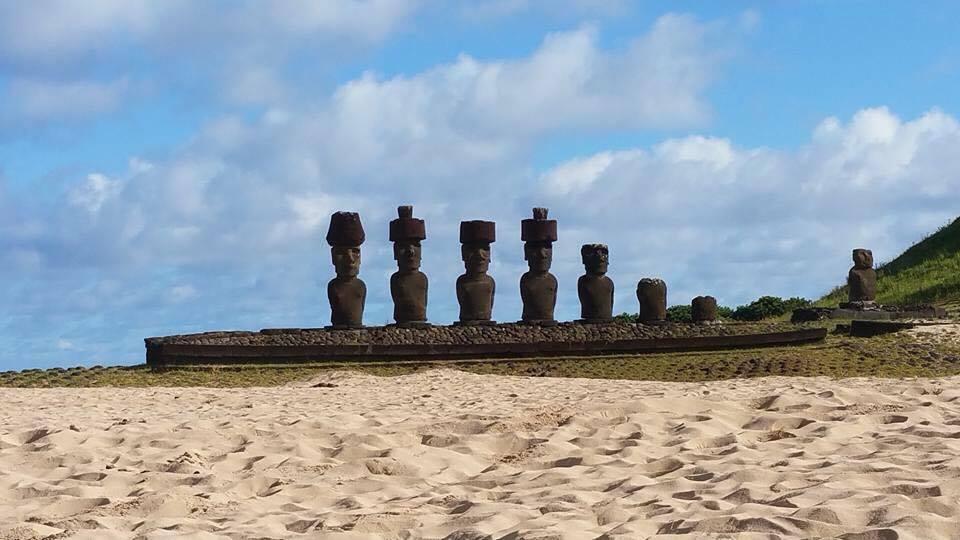 Croisière tour du monde Austral 2017 Balade au milieu des Moaï sur de l'île de Pâques 3