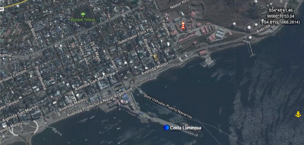Position du Costa Luminosaau port d'Ushuaïa Terre de Feu en Argentine