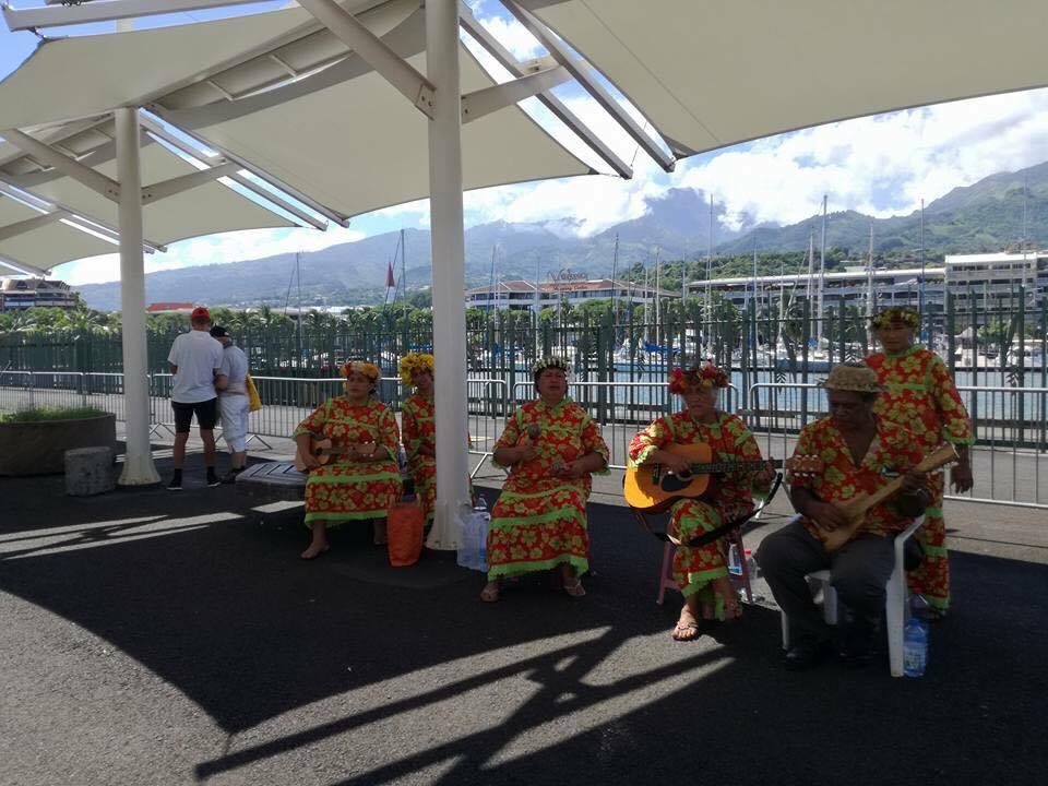 Croisière tour du monde Australe 2017 Anna acceuil à Papeete Tahiti