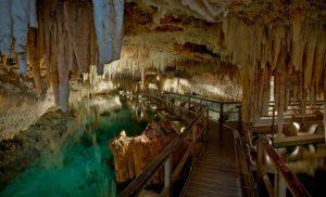 Les Grottes de cristal des Bermudes