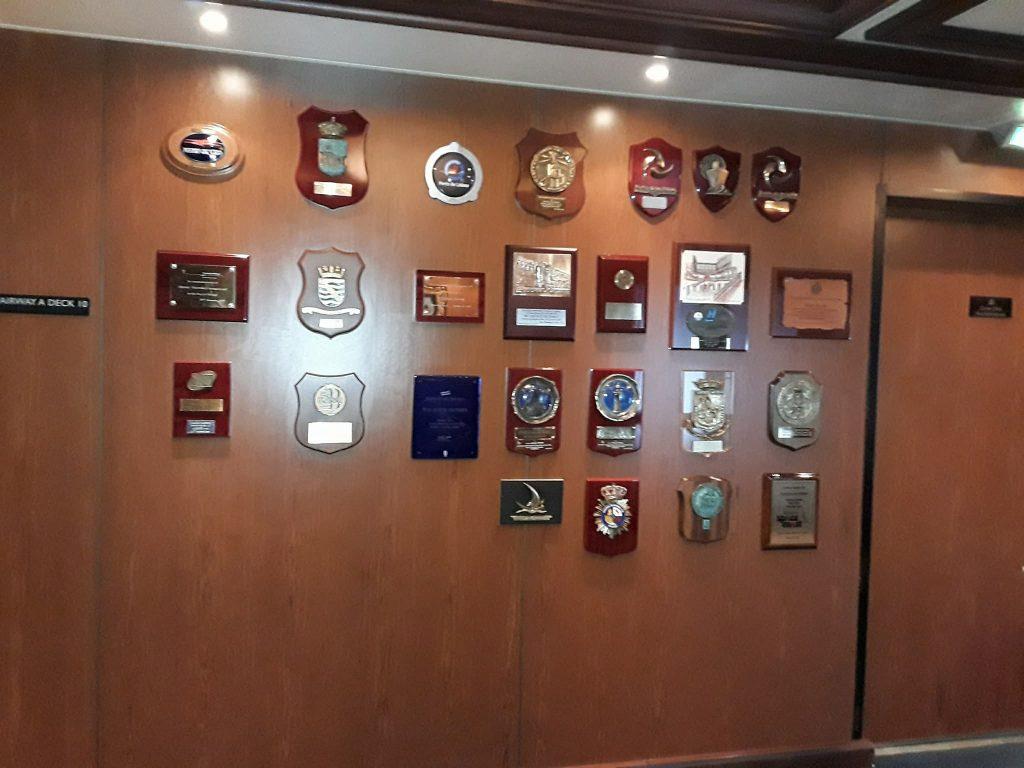 Collection des décorations reçues par les ports en escale
