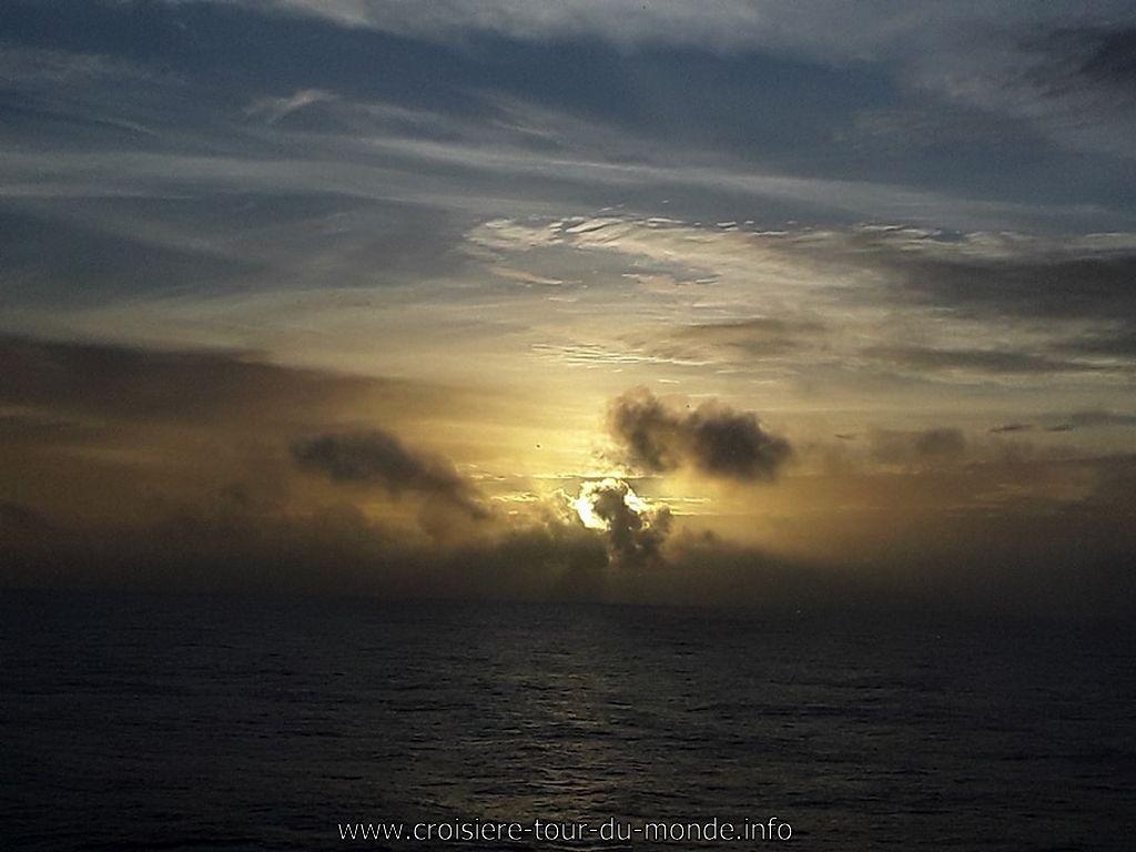 Coucher du soleil du 15 janvier à 19h