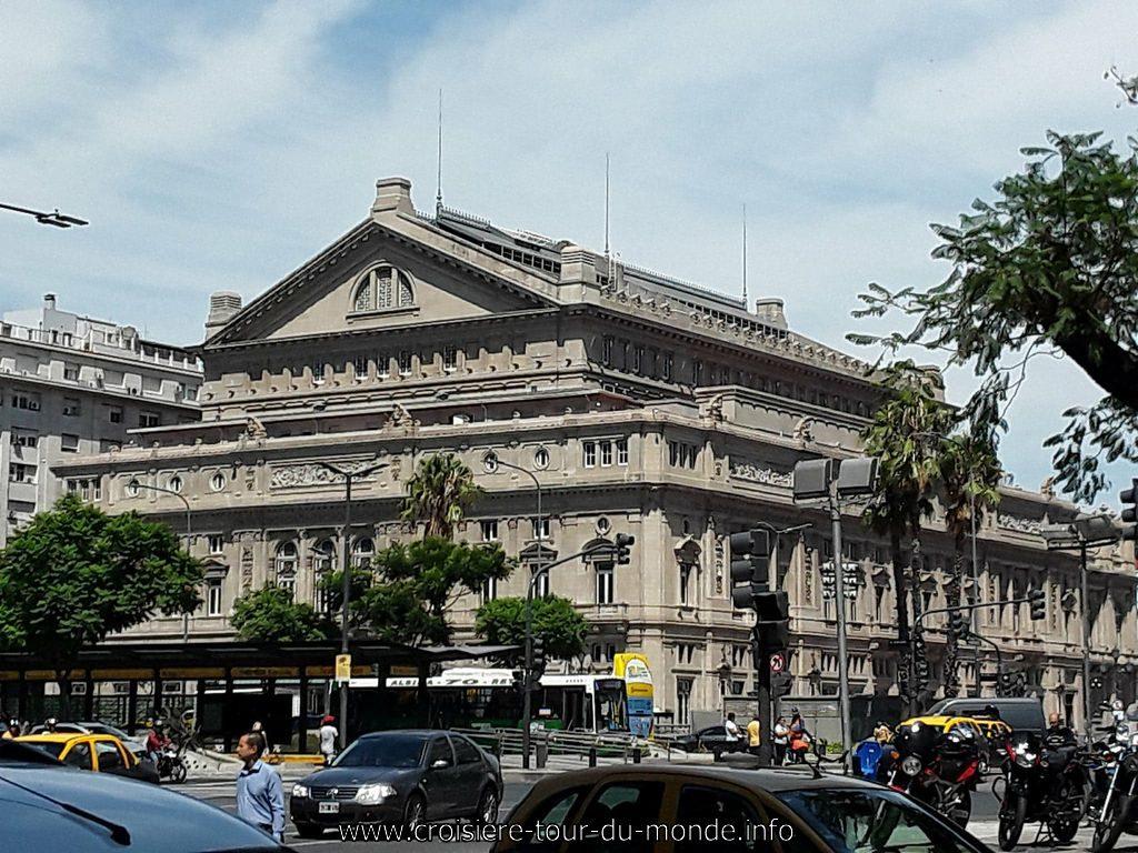 Escale à Buenos Aires en Argentine la place Domingo