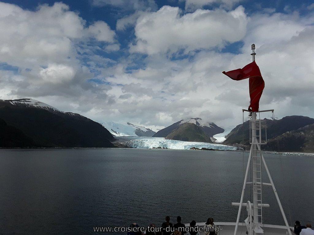 Glaciers Amelia et Escale à Puerto Montt Chili