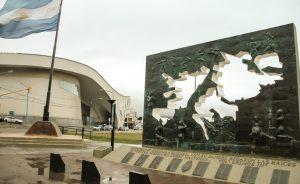 Monumento a los Caídos en Malvinas - Mémorial de guerre des Malouines Ushuaïa