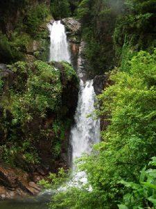 Cascada La Virgen Puerto Chacabuco
