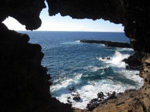 La grotte Ana Kakenga sur l'Île de Pâques