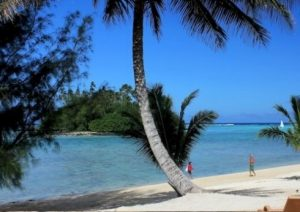 La plage et le lagon de Muri Rarotonga Îles Cook