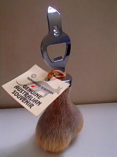 Souvenir décapsuleur en bourses de kangourou