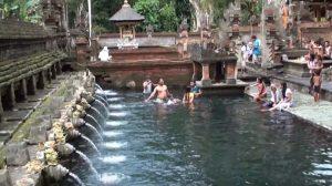 Croisière tour du monde Le Temple Pura Tirta Empul à Bali