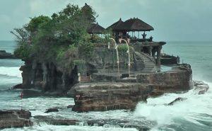 Croisière tour du monde Le temple Pura Tanah Lot à Bali
