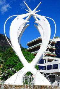 Croisière tour du monde Le Monument de l Unité Victoria Mahé aux Seychelles