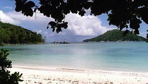 Croisière tour du monde Plages de Port Launay Mahé aux Seychelles